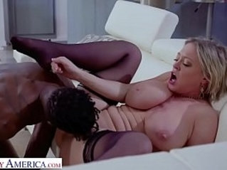 Naughty America Dee Williams gets Interracial Action