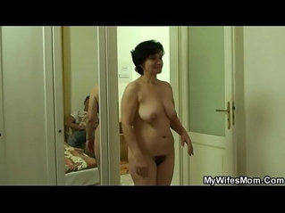 She finds her old mom riding her BFs cock
