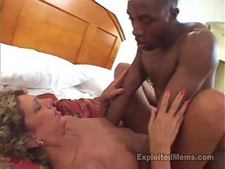 Secretary Mom does her first time Amateur Porn in Big Black Cock Video