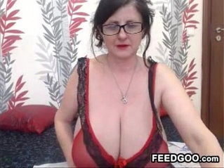 Granny with very saggy breasts