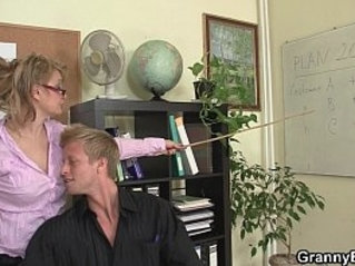 Sexy women rides cock in the office