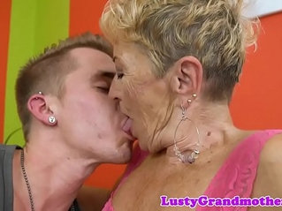European granny loves getting her ass fucked