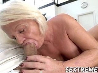 Kinky Anett has pussy with young dick after BJ